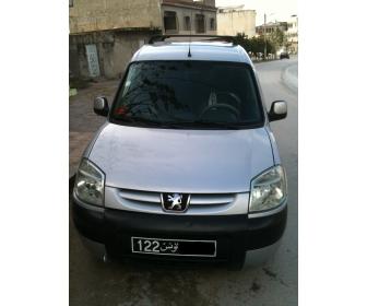 Voiture Peugeot Partner en très bonne état ,5 places Tunisie 1