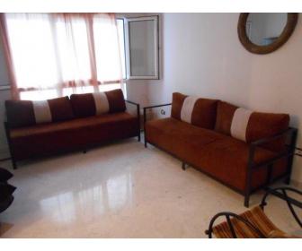dressing salon lit matelas 2 tables de chevet vendre en lot ou e. Black Bedroom Furniture Sets. Home Design Ideas