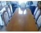 A vendre table et 8 chaises pour salle à manger